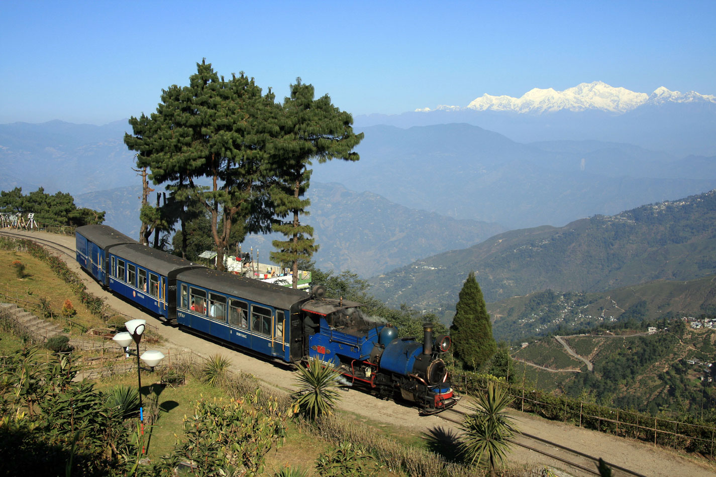 himalayan queen tour package india
