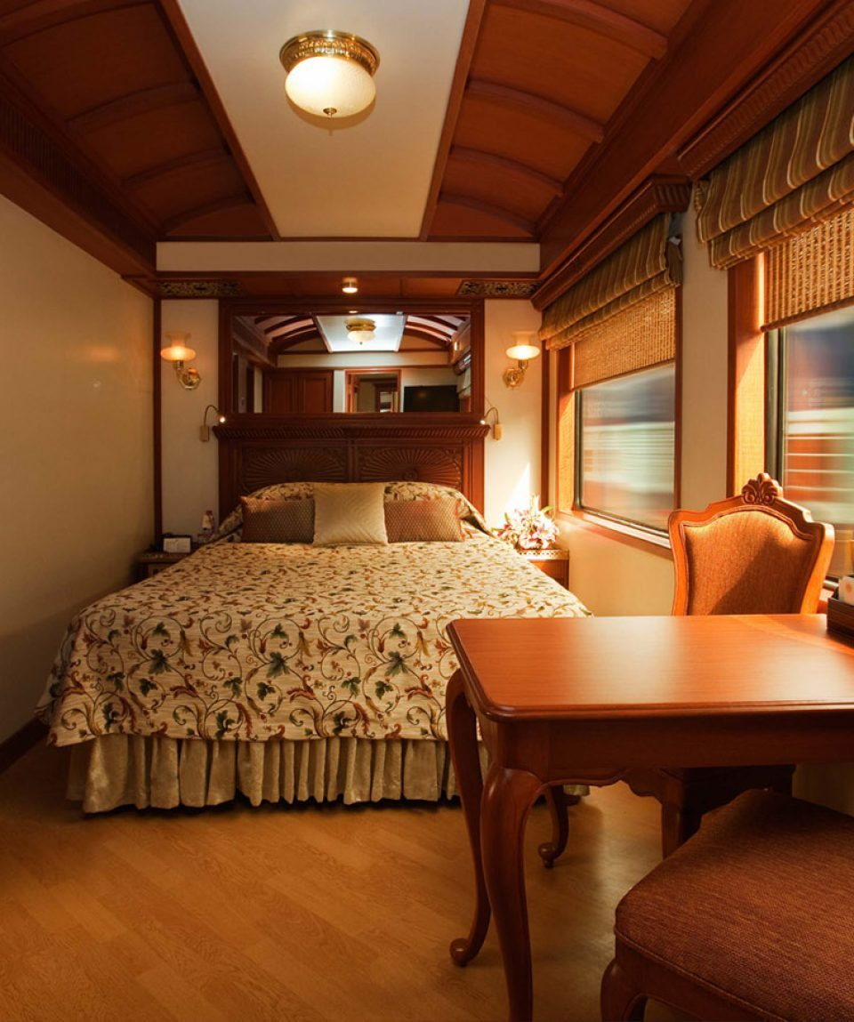 gems-of-india-luxury-train-tour-package-maharaja-express