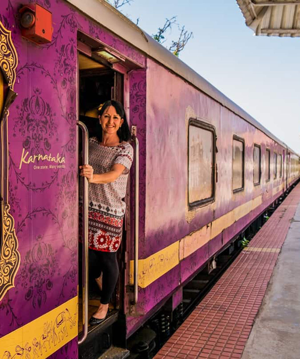 golden chariot tour package india