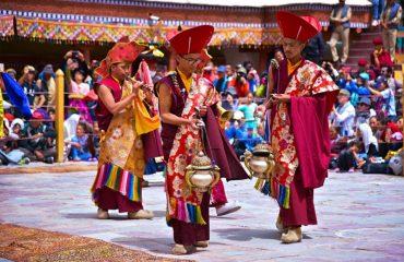 hemis-fesival-2019-ladakh-tour-package-booking