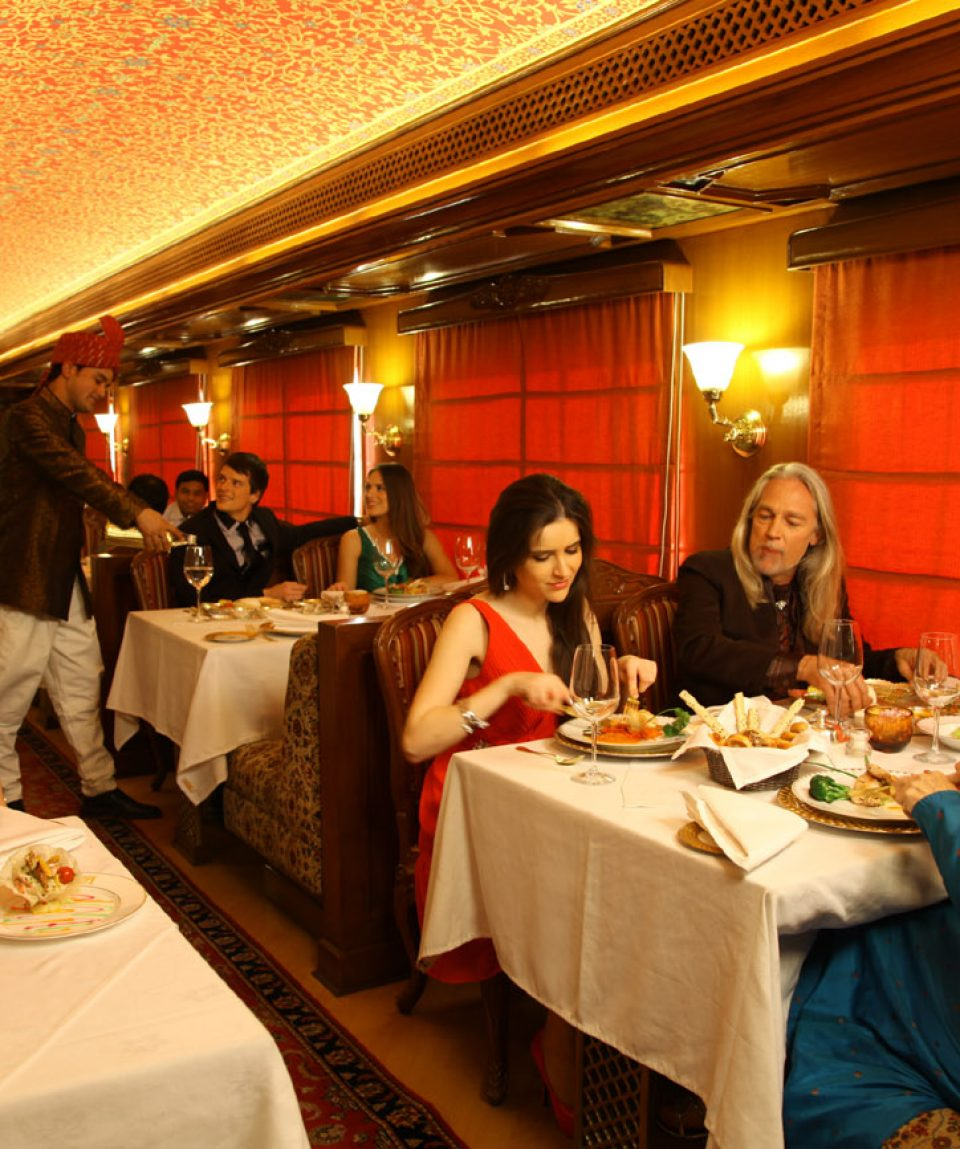 indian-panorama-luxury-train-tour-by-maharaja-express