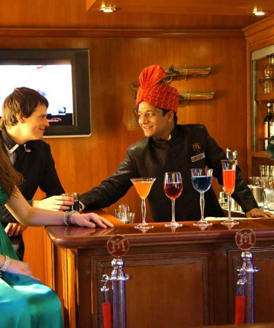 maharaja-express-luxury-train-tour-package