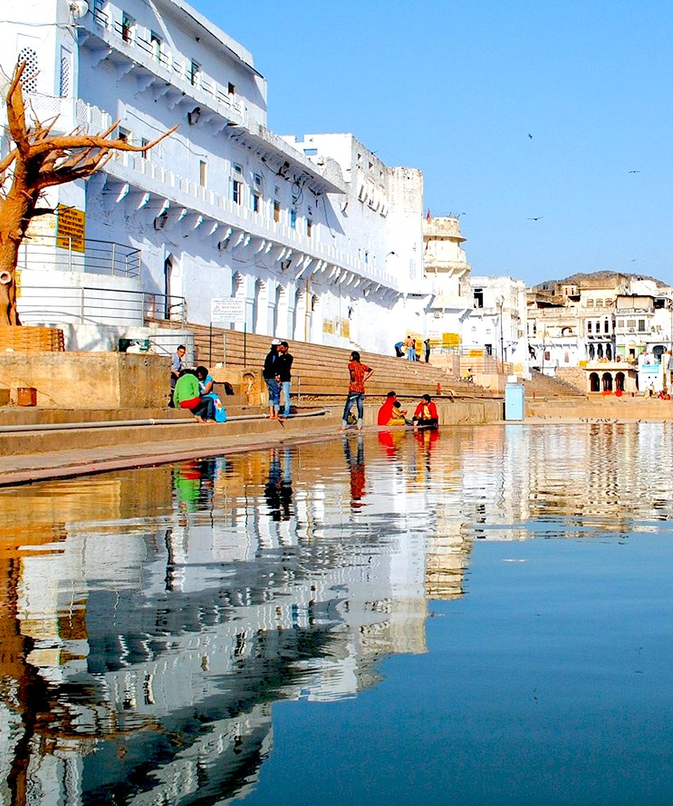 spledid-view-pushkar-lake-brahma-temple
